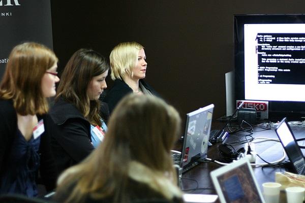 在國外推動女性學Ruby運動的Rails Girls社群創辦人Linda Liukas和Terence Lee,也將來臺分享Ruby on Rails女性開發者旋風。圖片來源:Rails Girls