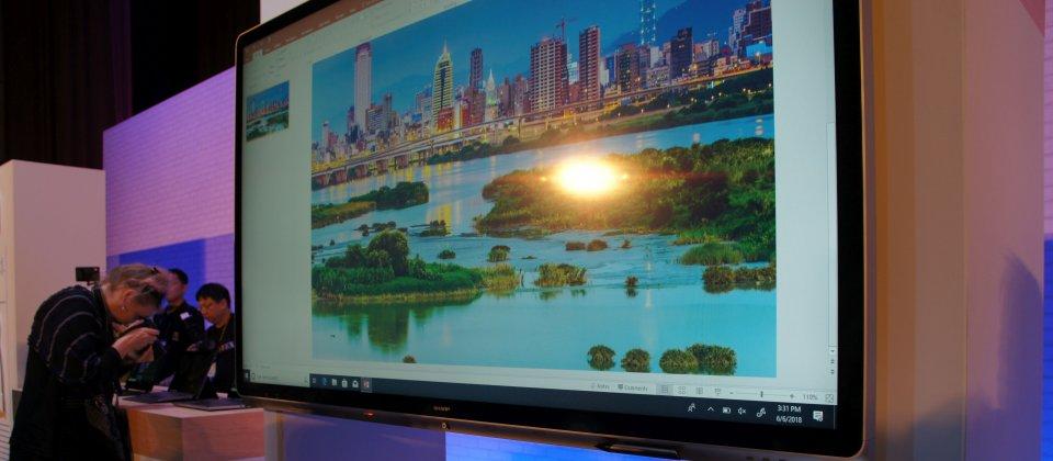 由夏普提供的70吋Windows Collaboration Displays(資料來源:iThome)